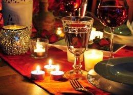 Ein Gespräch zwischen Zündholz und Kerze