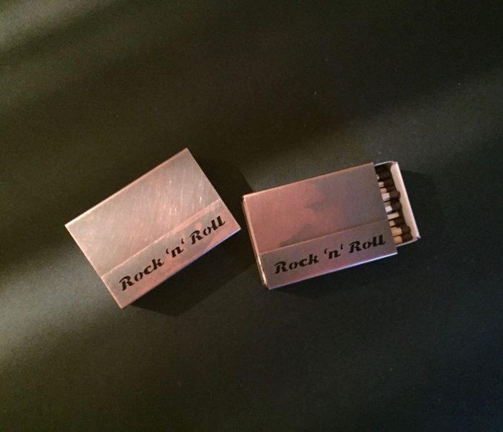 Individuelle Streichholzschachtel-Hüllen aus Kupfer