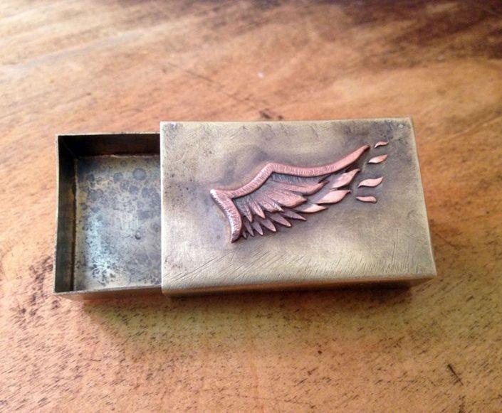Individuelle Streichholzschachtel aus Kupfer und Messing