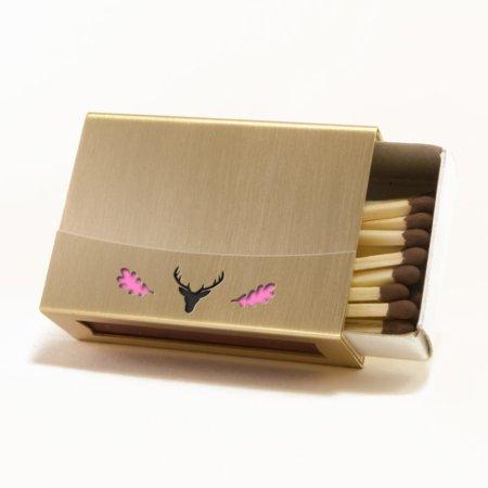 Streichholzschachtel - Huelle aus Messing mit pinkfarbenem Eichenlaub und schwarzem Hirschkopf