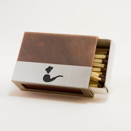 Streichholzschachtel - Huelle aus Edelstahl und Kupfer mit schwarzer Pfeife